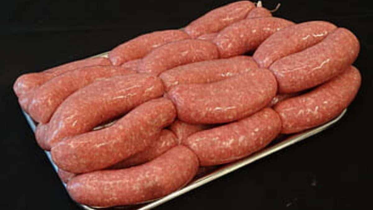 how to make sausages with a meat grinder